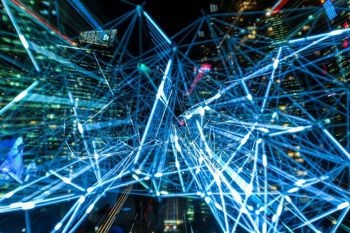 Teknologin binder världen samman